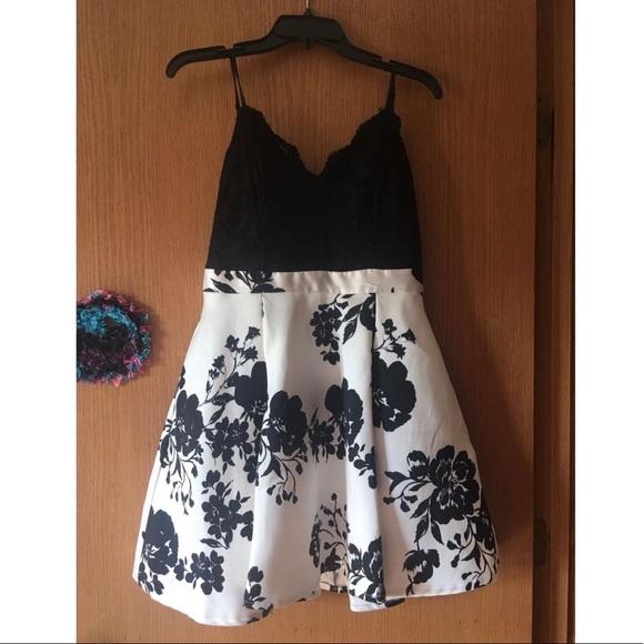Windsor Dresses & Skirts - Homecoming/Formal Dress